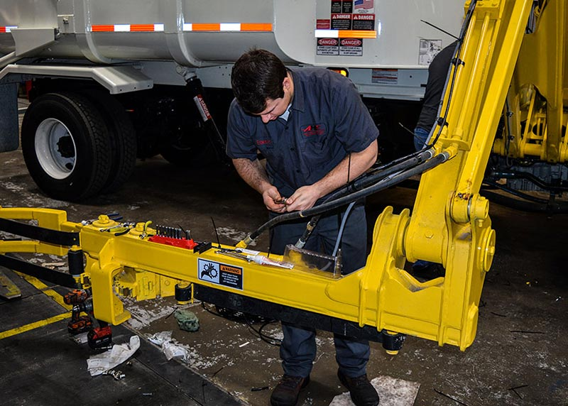 Mobile-Air-Hydraulic-Repair-Service-with-AHE-in-Tennessee