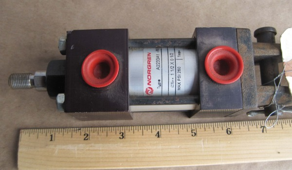 IMI_Norgren_pneumatic_small_cylinder_Air_And_Hydraulics_Equipment_Inc_Tennessee (2)